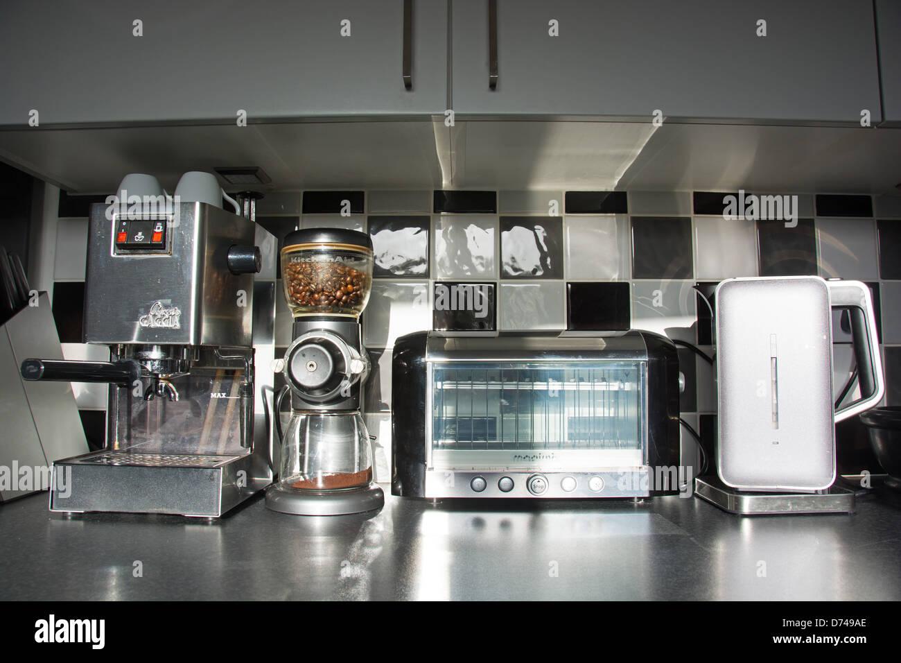 Modern Kitchen Appliances Coffee Machine Bean Grinder