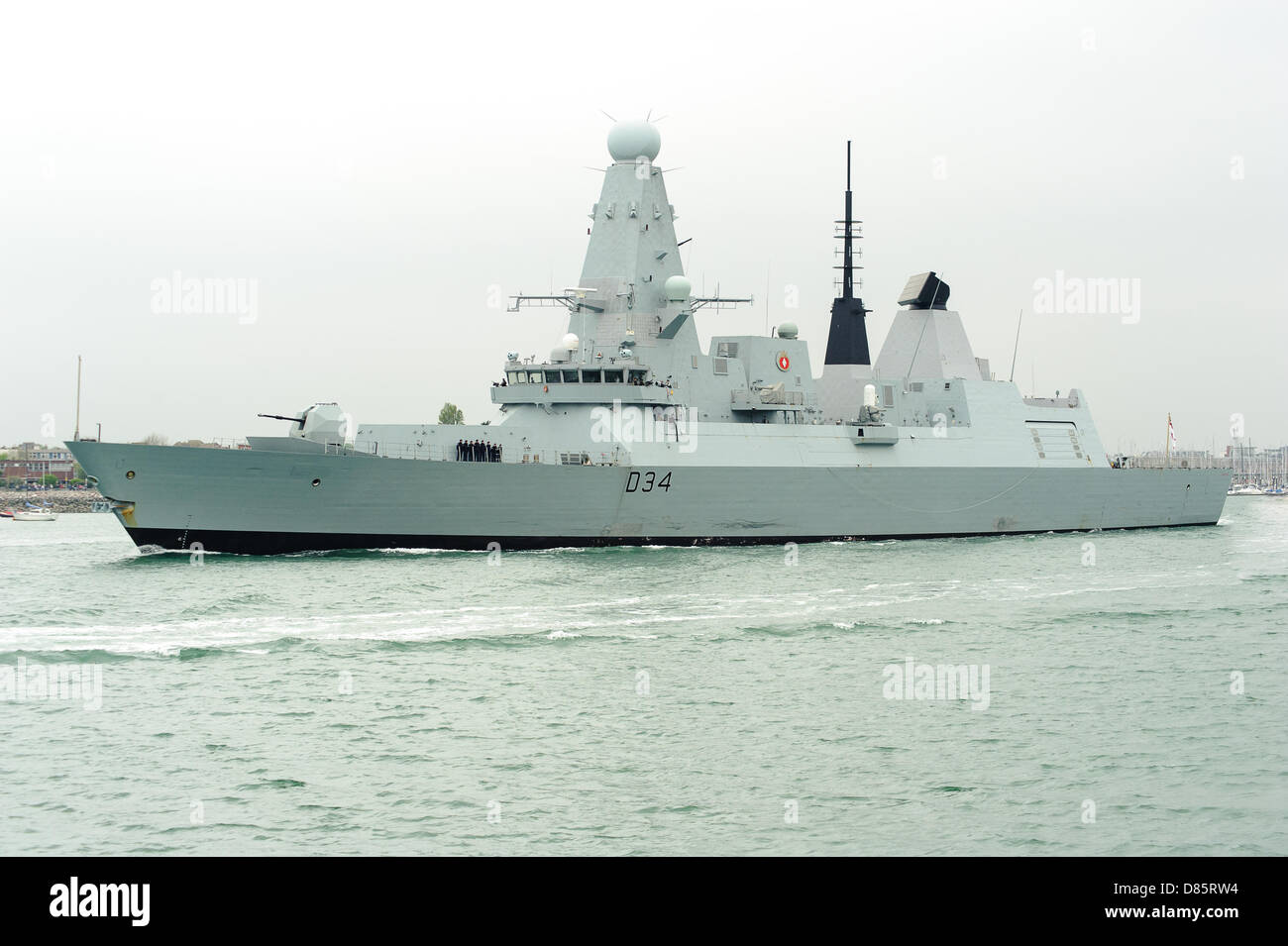 hms-diamond-leave-portsmouth-naval-dockyard-today-diamonds-construction-D85RW4.jpg