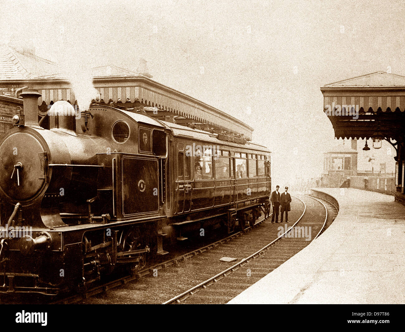 Halifax West Vale Railway station early 1900s Stock Photo