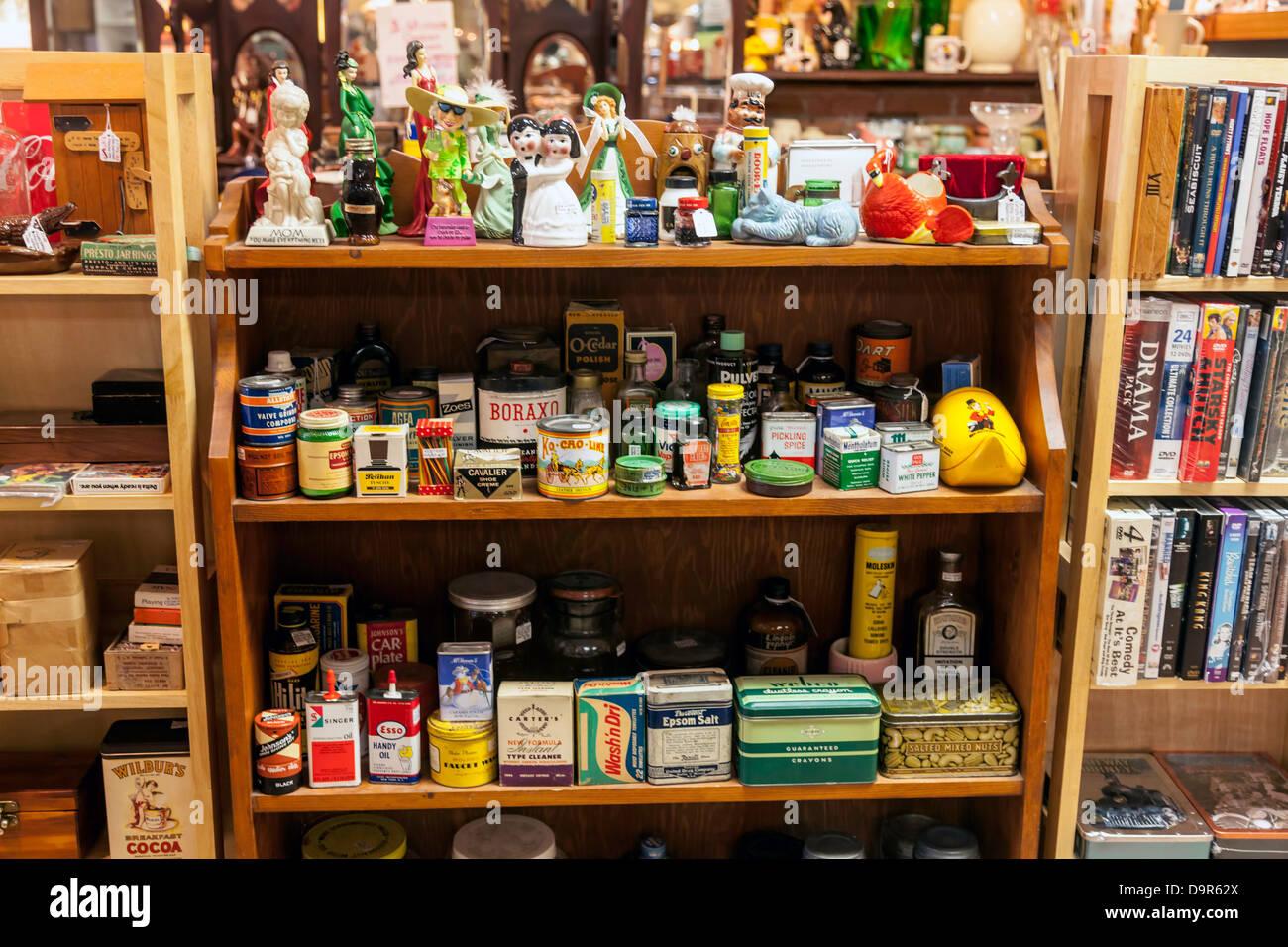 Vintage spices condiments bric a brac knick nacks and for Bric a brac napoli arredamento