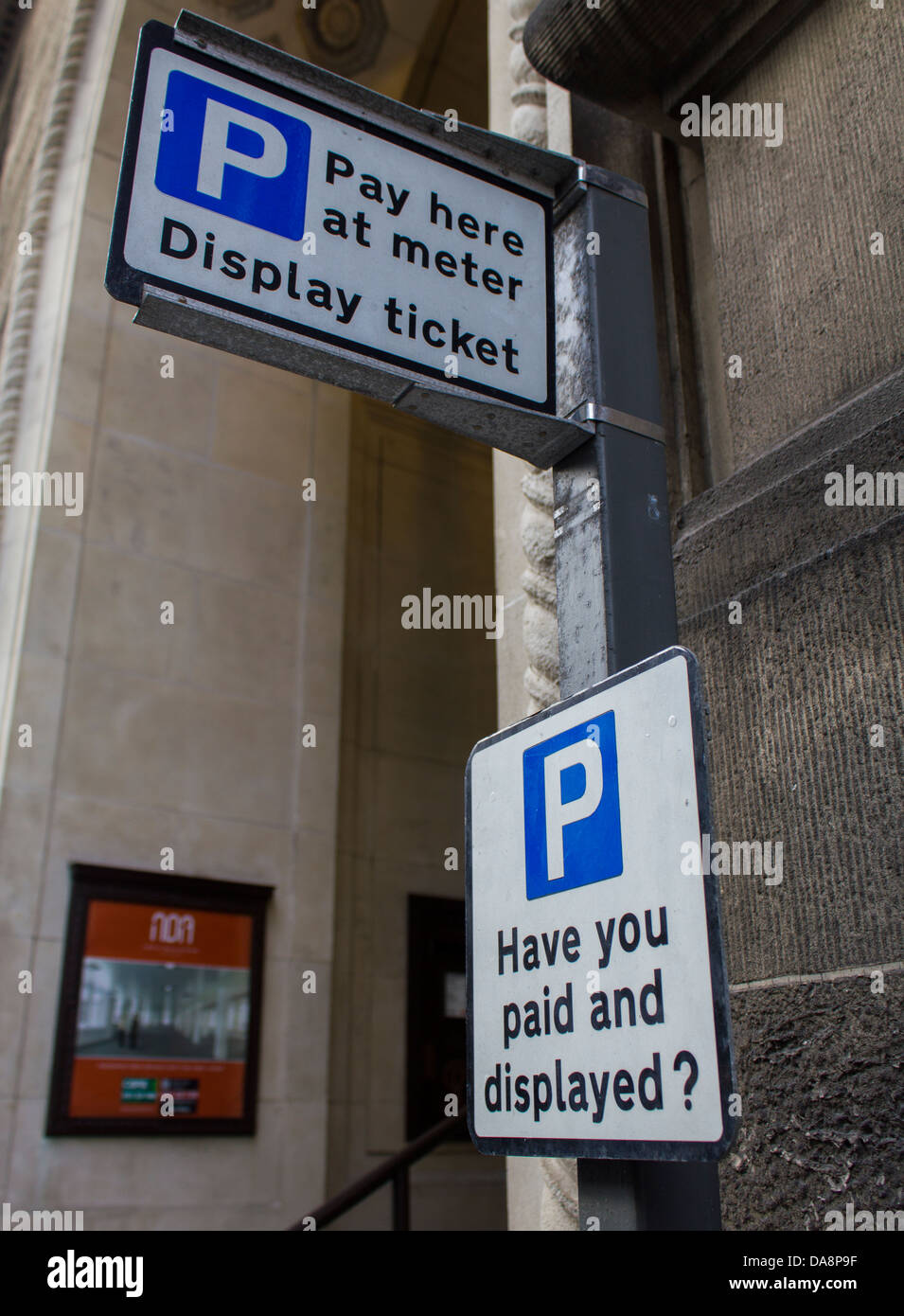 pay-and-display-meter-liverpool-england-