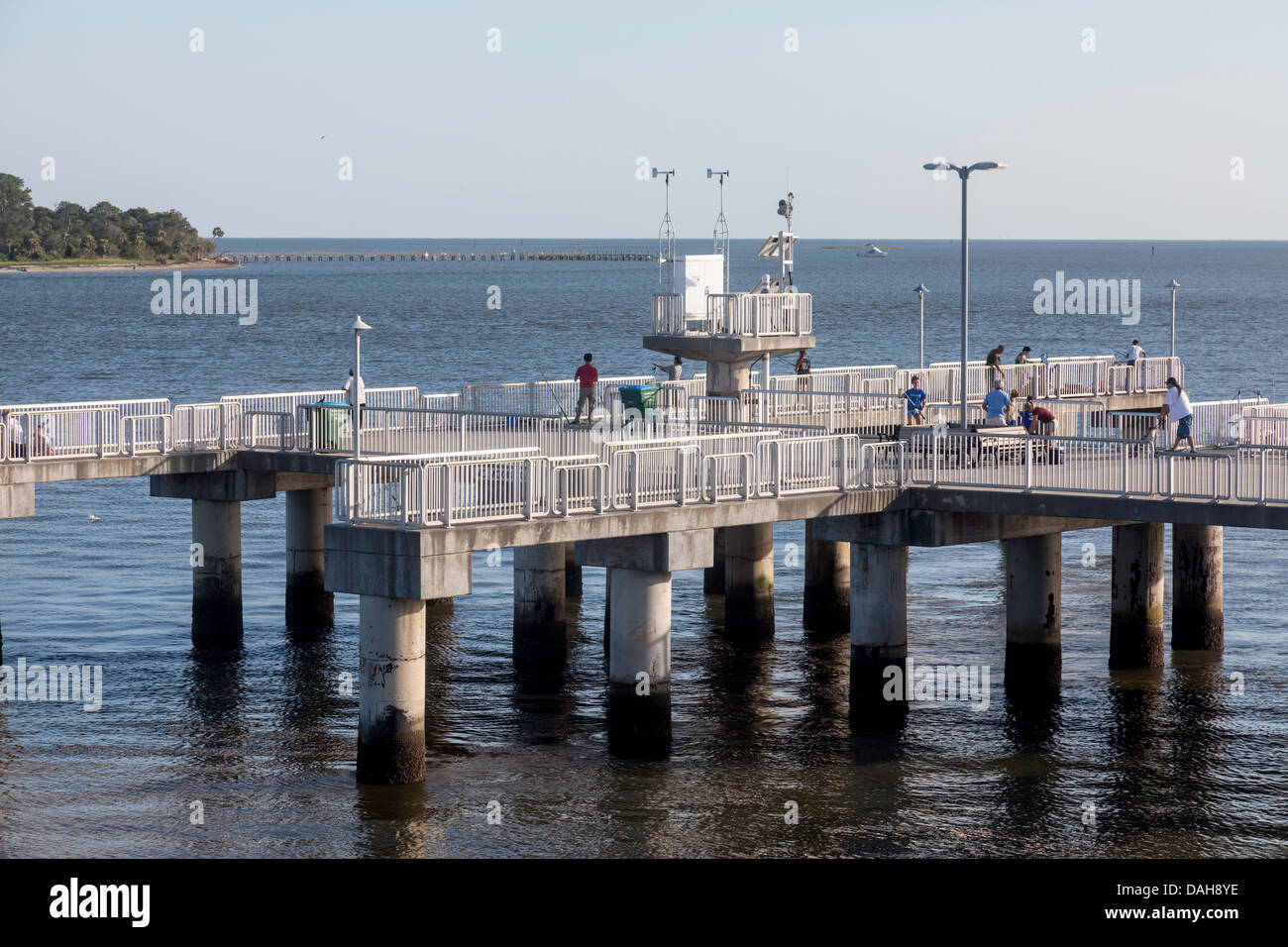Public fishing pier on dock street in cedar key florida for Cedar key fishing