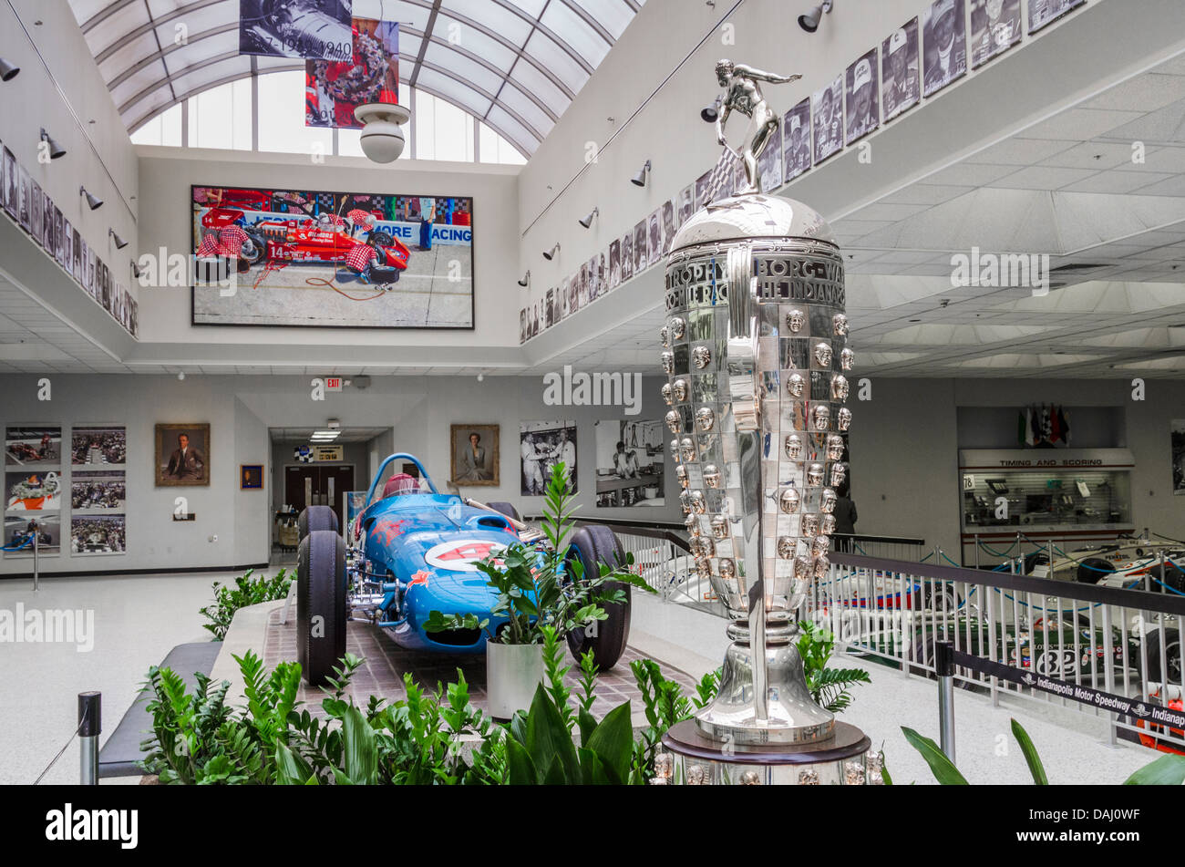 Indianapolis motor speedway hall of fame museum for Indianapolis motor speedway museum