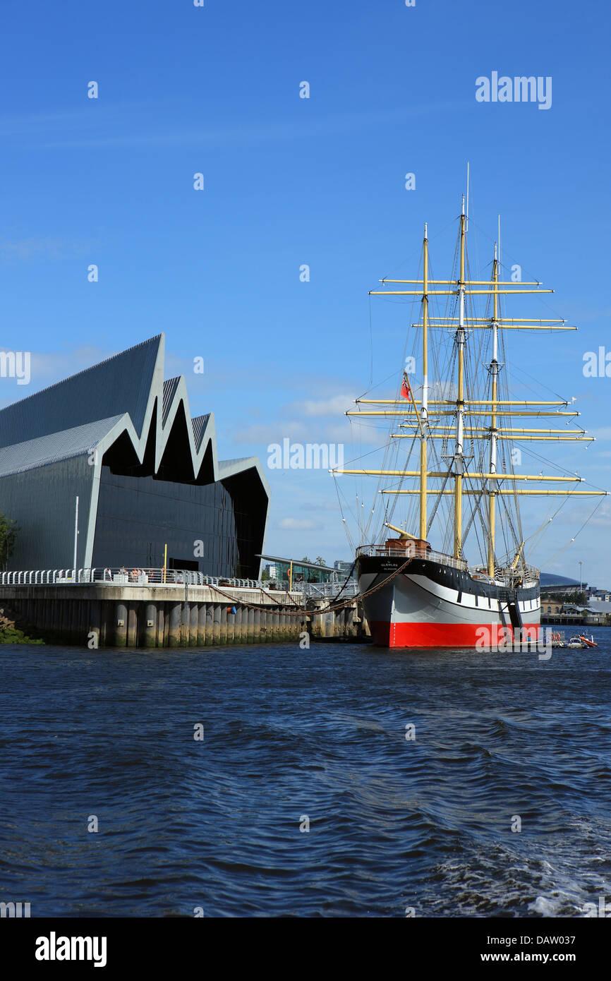 tall-ship-glenlee-moored-outside-the-riv