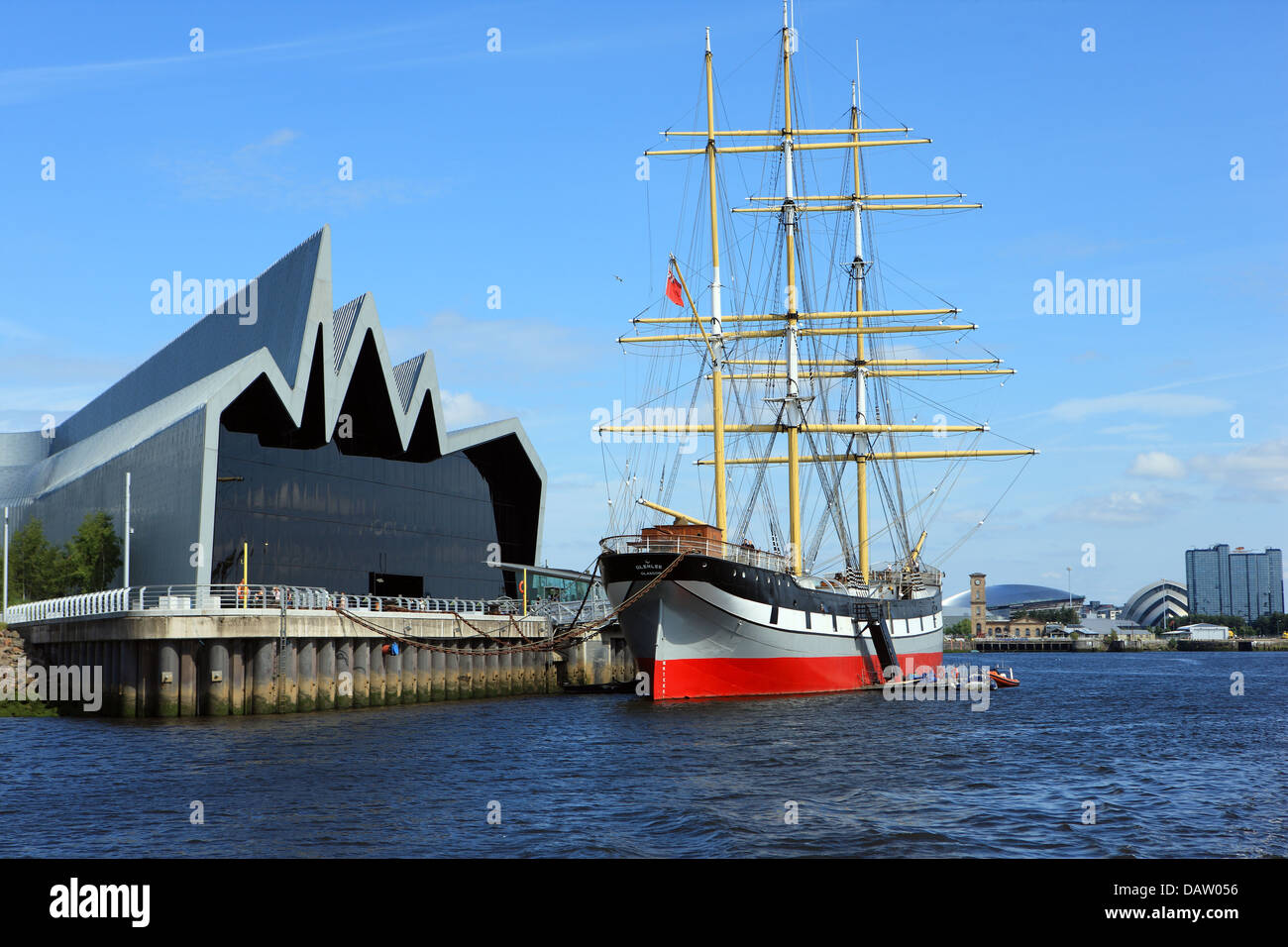 tall-ship-glenlee-moored-outside-the-riv