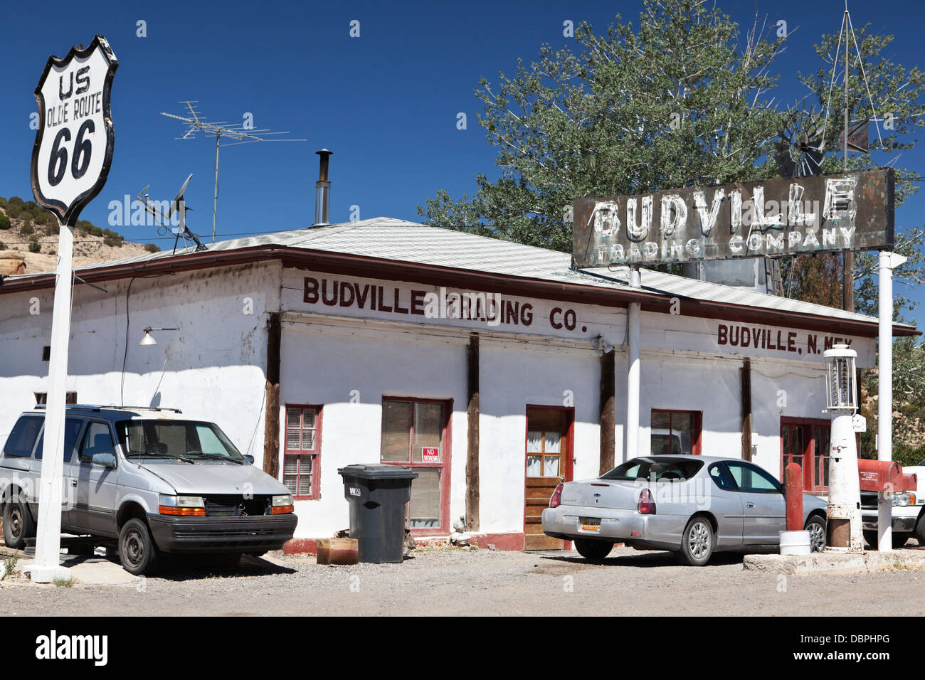 the budville trading company garage on route 66 near. Black Bedroom Furniture Sets. Home Design Ideas
