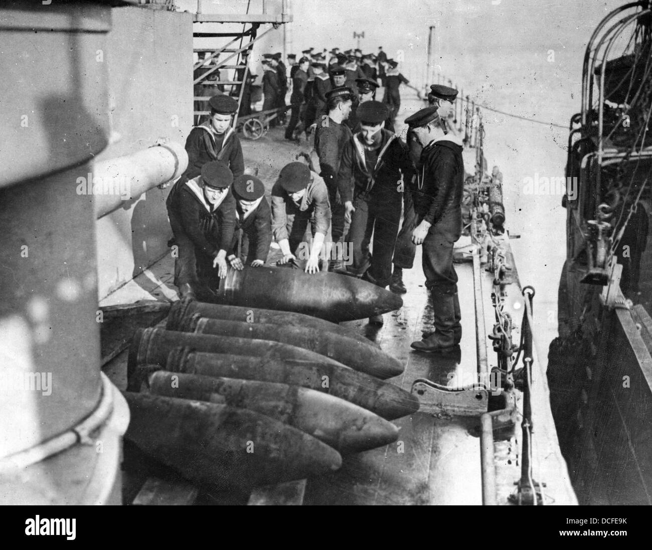 Great War. WW1 Royal Navy sailors prepare shells on a battleship Stock Photo