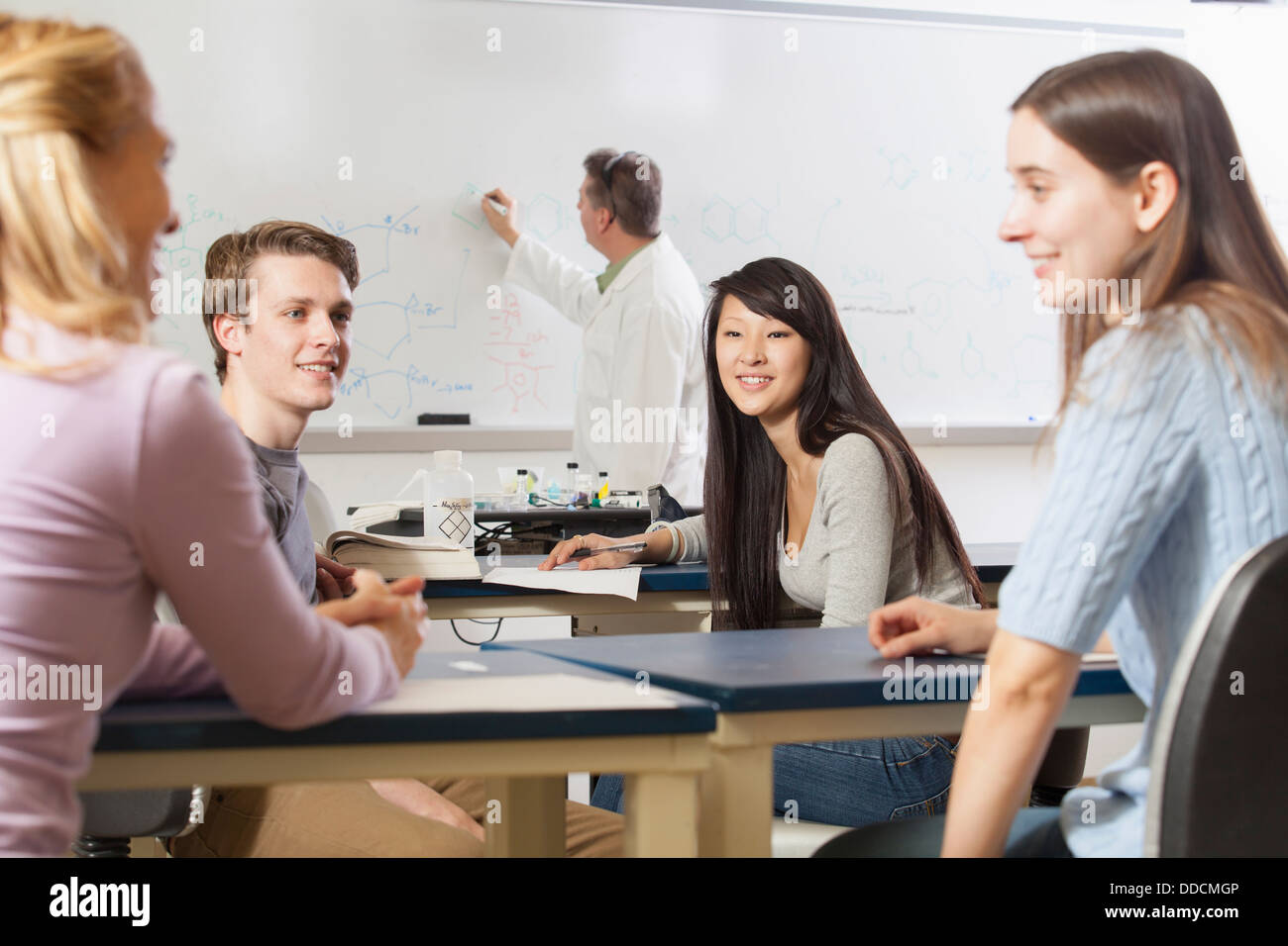 essay on talking in class For years, class has been a taboo topic here are some frequently asked questions to move past that taboo what do you mean by class class is a relative social rank in terms of income, wealth, education, status/position, and/or power.