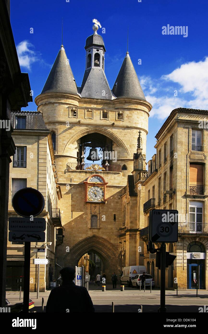 Grosse cloche bell tower former st eloi town gate for Appartement bordeaux grosse cloche