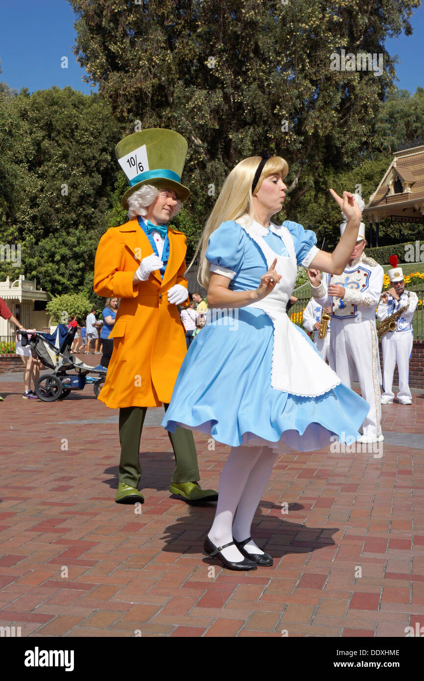 Disneyland Resort Alice In Wonderland And Mad Hatter
