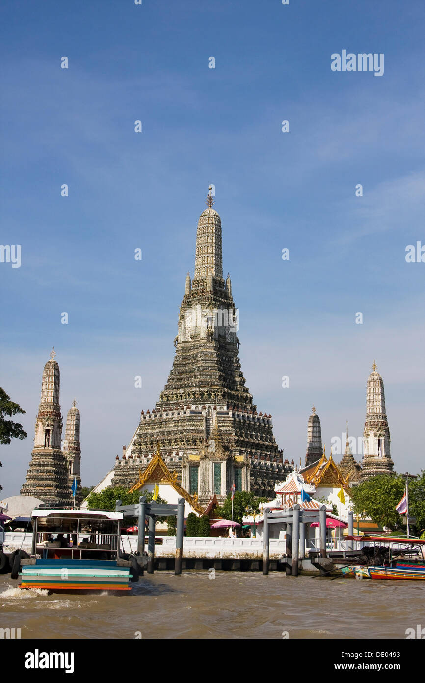 Wat Arun, Temple of the Dawn, Bangkok, Thailand, Asia ...