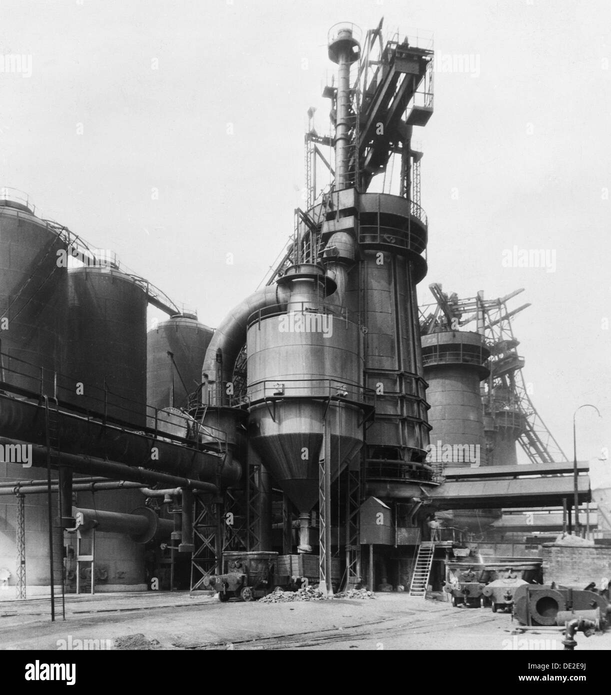 Blast Furnace Construction : A blast furnace at the park gate iron steel co