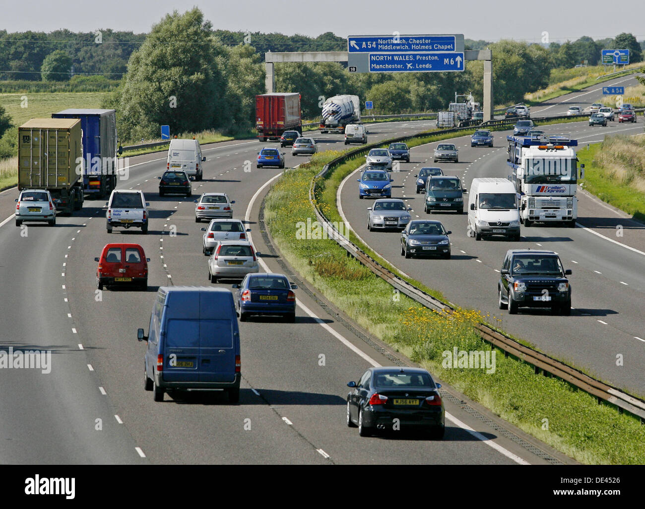 m6-motorway-cheshire-england-uk-DE4526.j