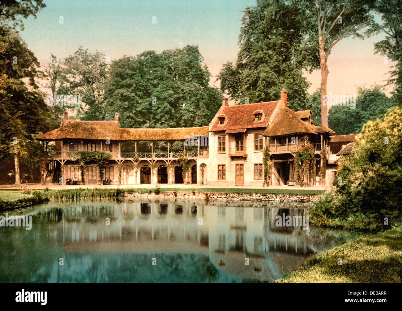Petit trianon park maison du seigneur versailles france for Aavi maison du gps