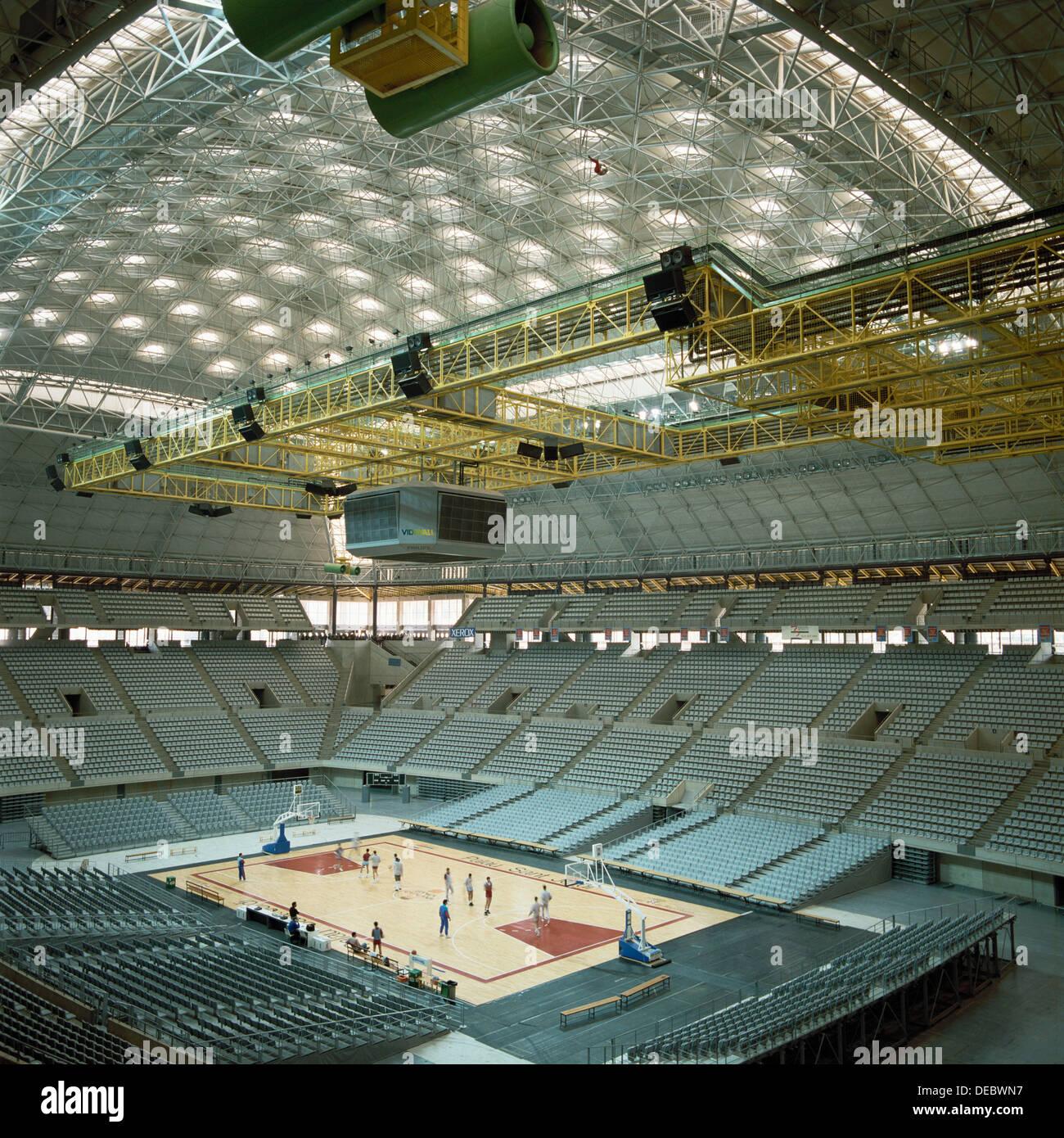 Palau sant jordi montjuich olympic area barcelona spain for Piscinas sant jordi barcelona
