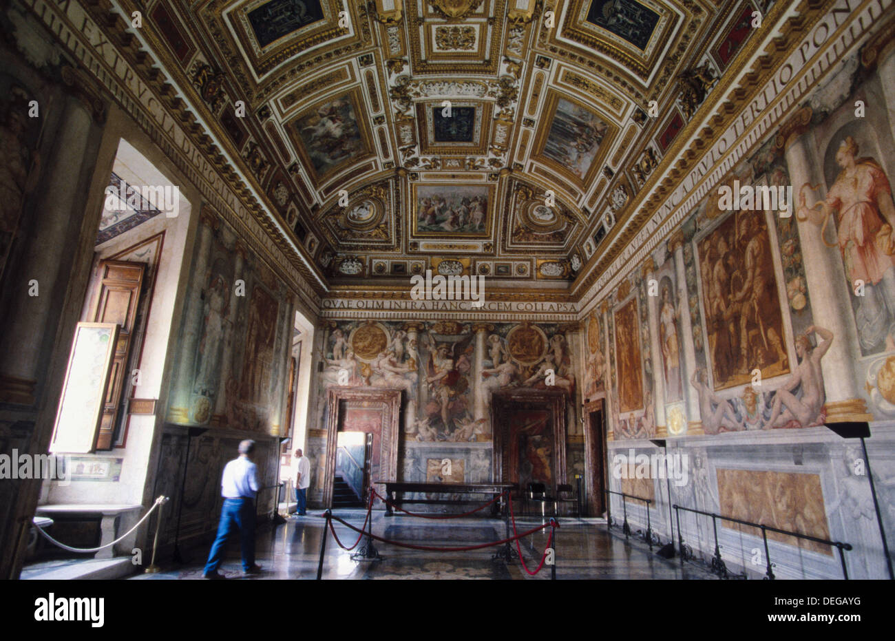 sala paolina with frescoes by perin de vega and pellegrino rooms in castles in the middle ages rooms in castleford