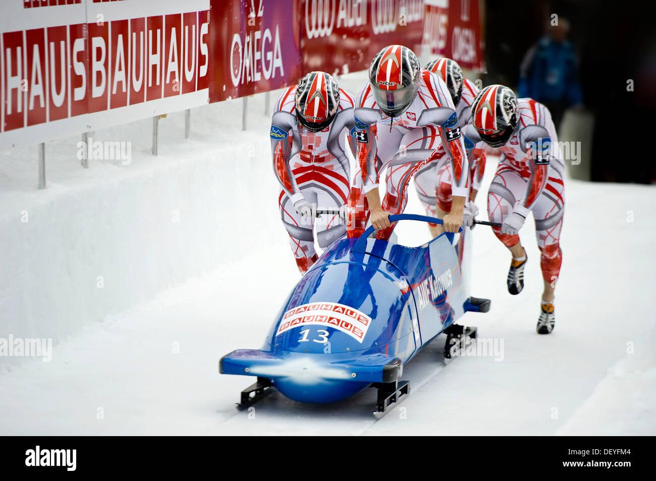 Polish 4 man bobsleigh team with dawid kupczyk daniel for Interieur bobsleigh