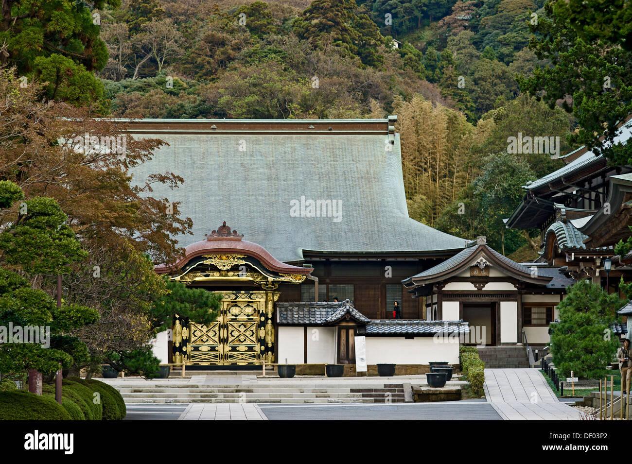 Kencho-ji Temple, Kamakura, Japan. Karamon (Chinese Gate) and Hojo Stock Phot...