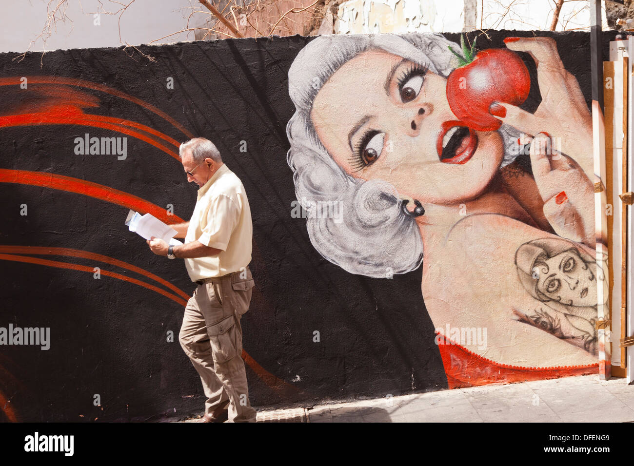 graffiti-with-marilyn-monroe-character-e