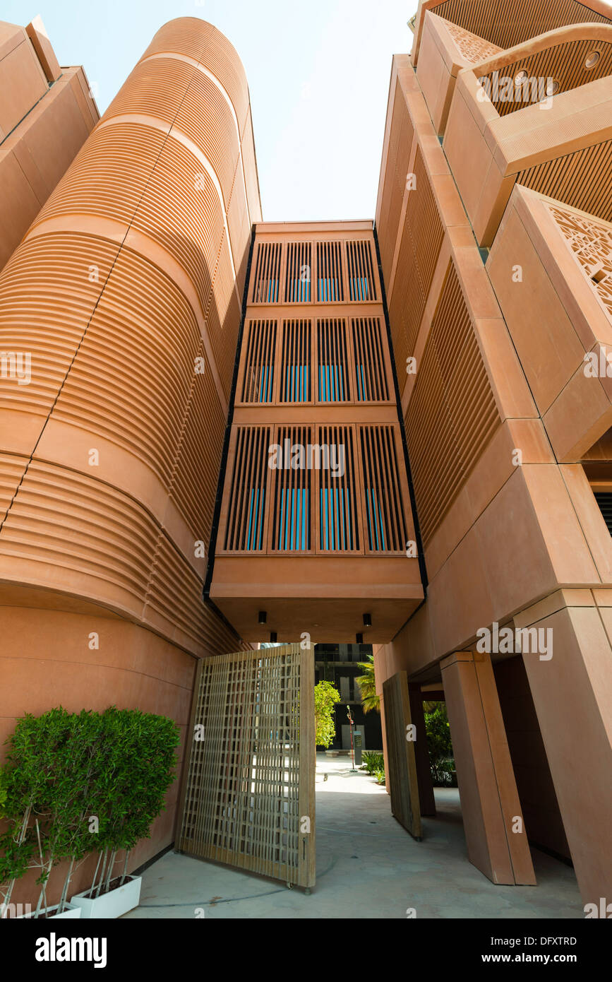 Institute of science and technology at masdar city in abu for Masdar abu dhabi