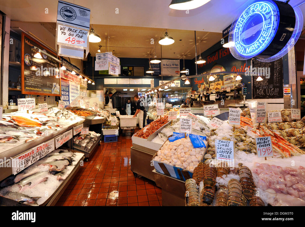 Fishmonger fresh seafood fish and crabs on ice pike for Pike place fish market video