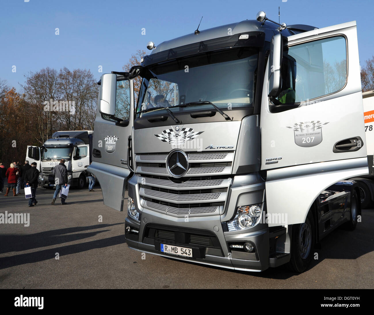 heavy goods vehicle the new actros truck a commercial vehicle stock photo royalty free image. Black Bedroom Furniture Sets. Home Design Ideas