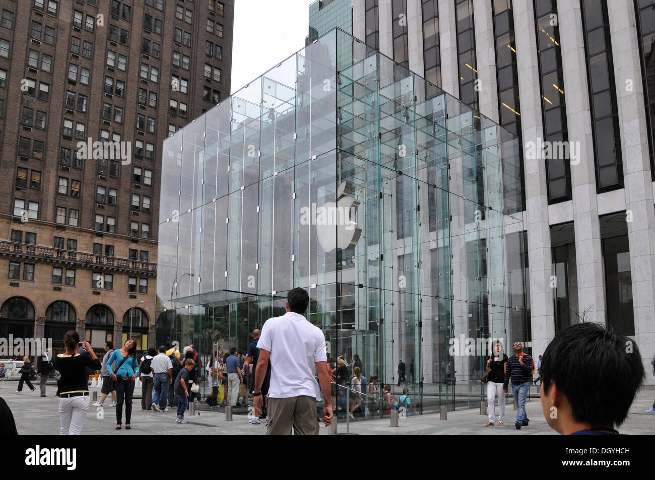 the success of an apple retail store in america It was the first successful personal computer company and the popularizer of   with room to store and manipulate data, the apple ii became the.