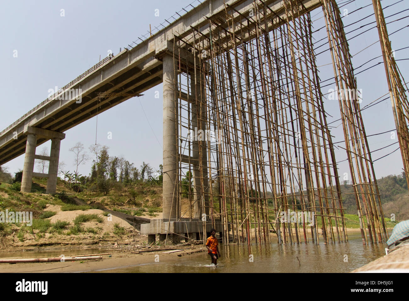 Construction Scaffolding Design : Scaffolding made of bamboo poles for the construction a