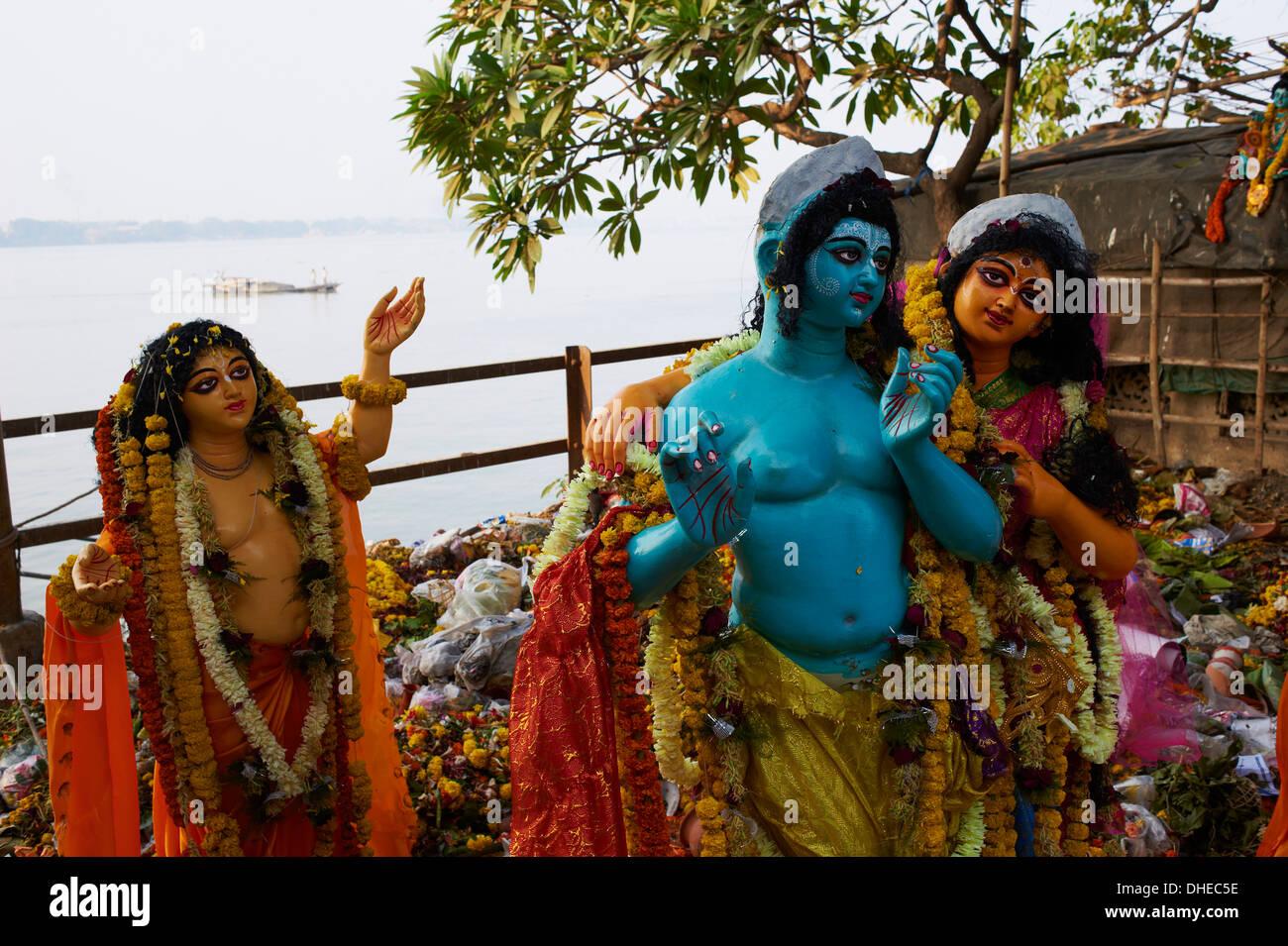 clay statues of hindu gods and goddesses kumartulli