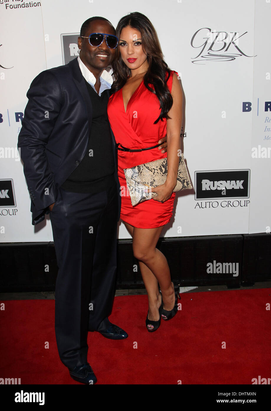 who is johnny gill dating Arriving at the sundance film festival on jan 18, tracey edmonds was ready to let off some steam hitting the myspace night at tao that evening, edmonds— still reeling from her jan 15 split from eddie murphy just two weeks after their nuptials—quickly retreated to the vip area with pregnant actress.
