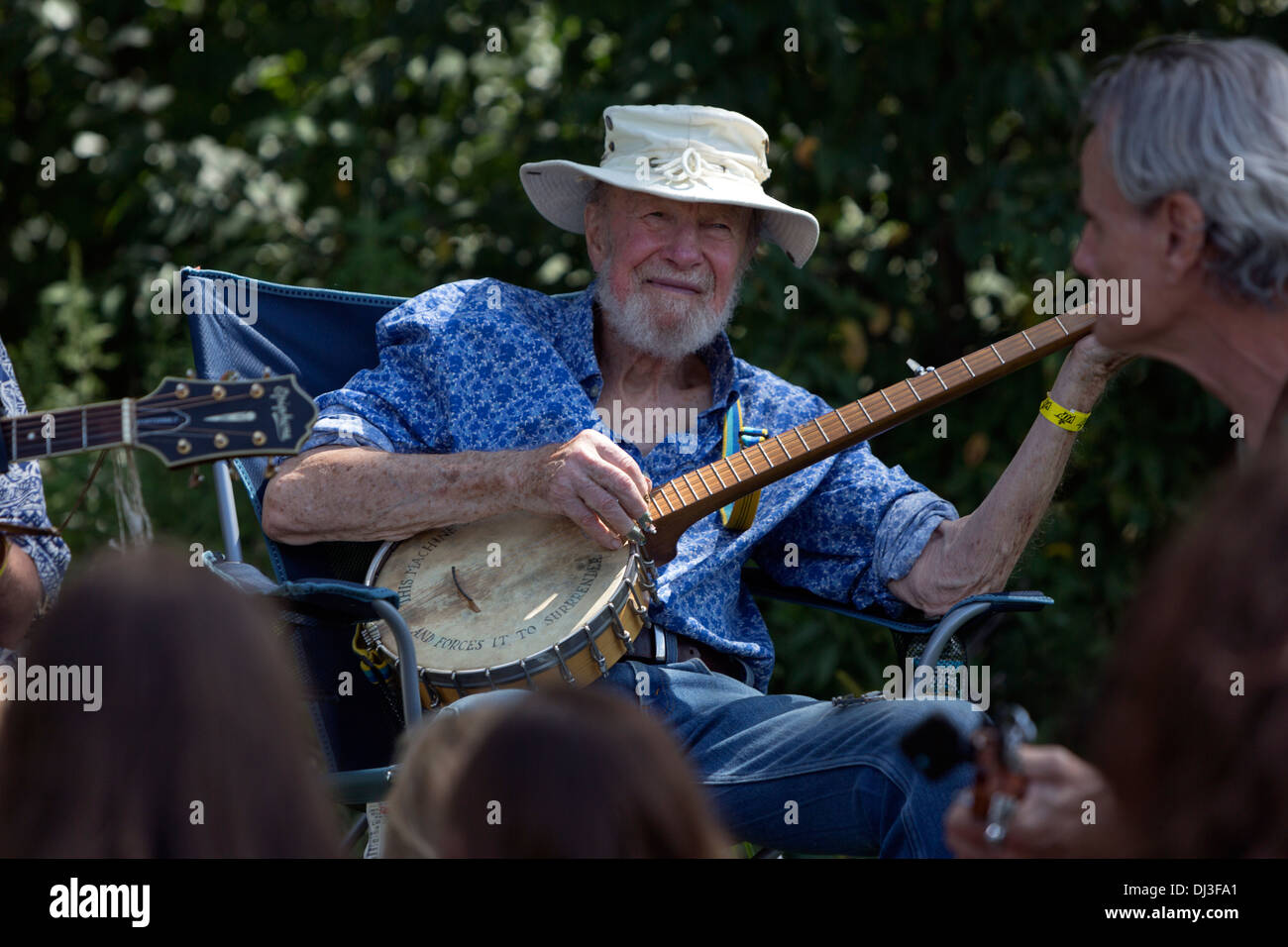 pete-seeger-at-the-solar-expo-jam-folk-f
