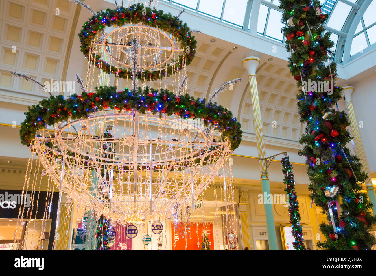 Cake Decorating Trafford Centre : Christmas decorations in the Trafford Centre, manchester ...