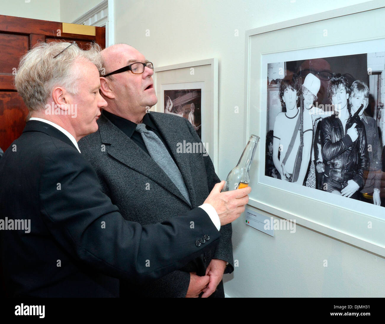 Patrick Brocklebank and Paul McGuinness U2 Manager Paul McGuinness officially opened photography exhibition U2:1978 Stock Photo