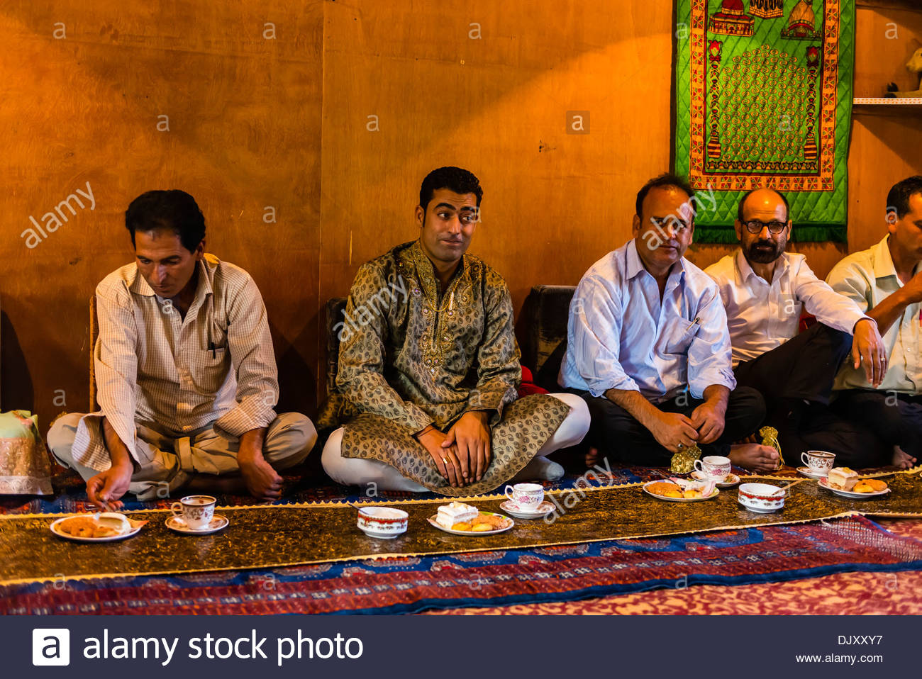 muslim single men in blaine Meet single muslim men in blaine are you a blaine single looking for a single muslim man to be your partner in life zoosk online dating makes it easy to connect with.