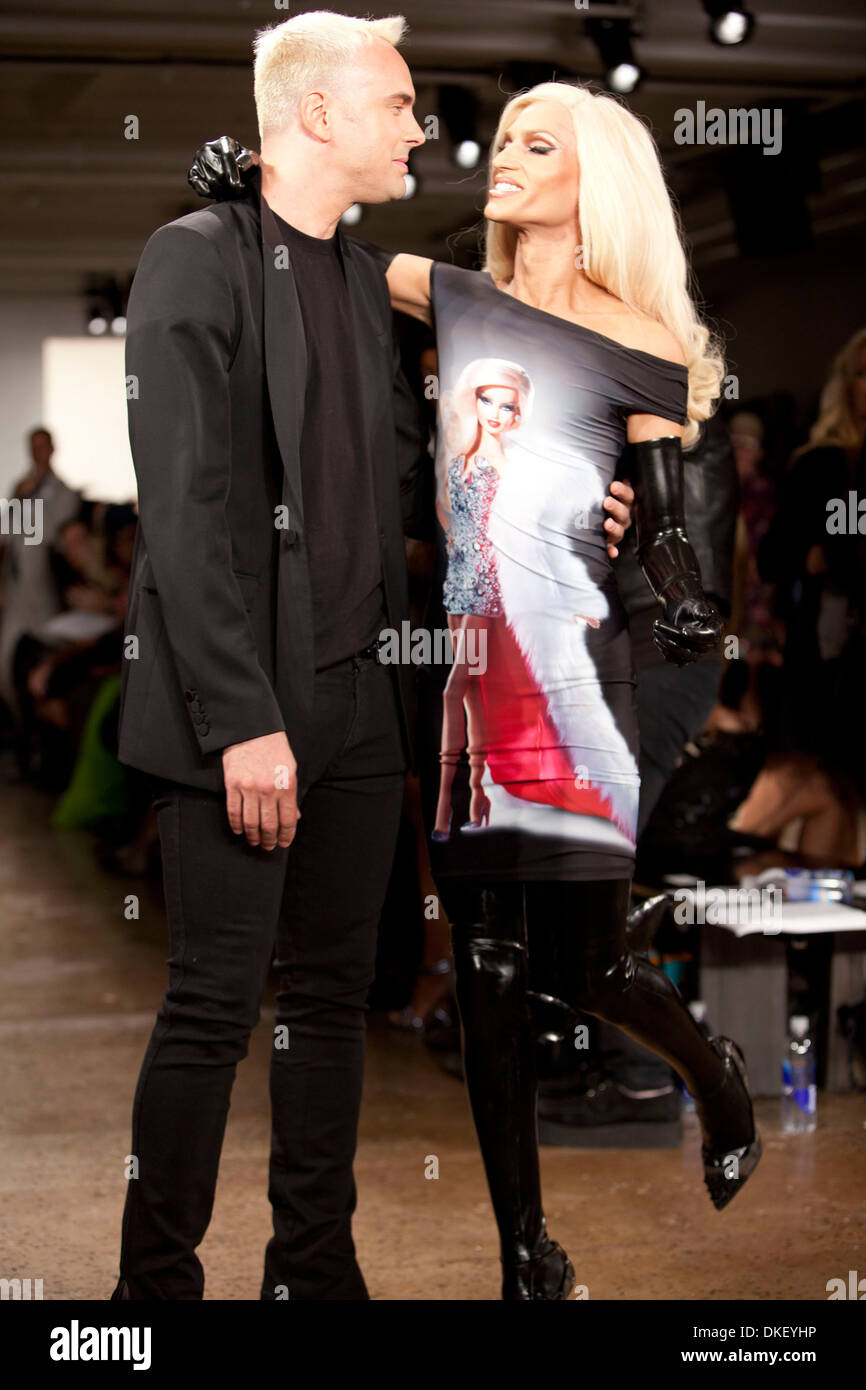 David blond and phillipe blond mercedes benz new york for Mercedes benz new york fashion week
