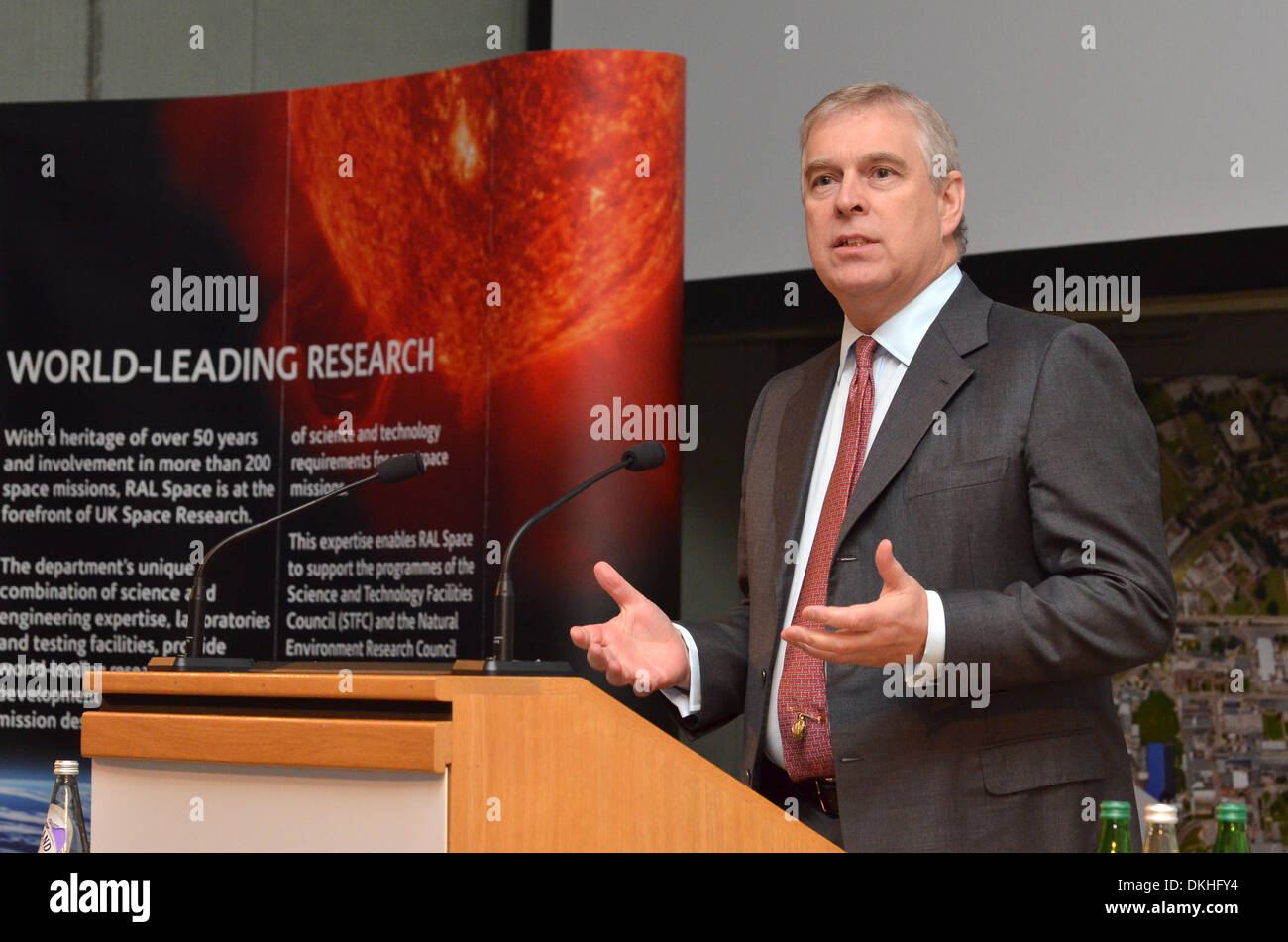 Rutherford Labs, Oxfordshire, UK. 5th December 2013. HRH Prince Andrew, the Duke of York, speaking  at the Rutherford Stock Photo