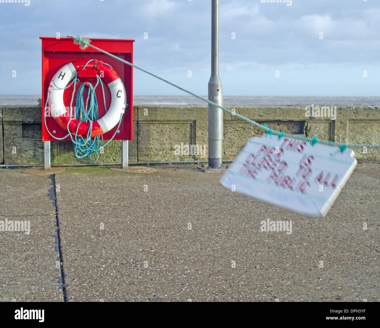 bridlington-east-yorkshire-outer-pier-cl