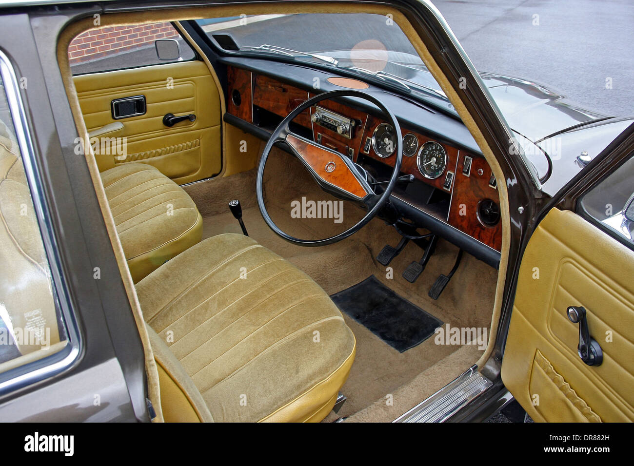 1974 wolseley six wolseley s next to last car interior view stock photo royalty free image. Black Bedroom Furniture Sets. Home Design Ideas