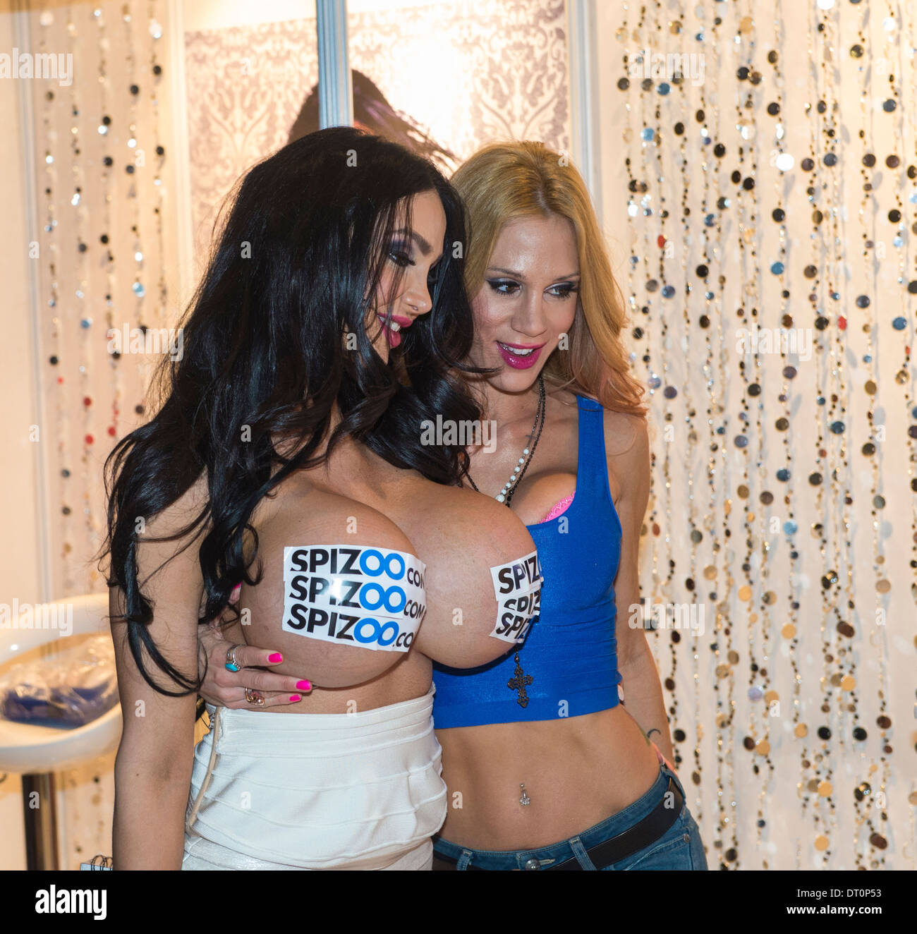 Ass bitch! lesbian entertainment in las vegas with