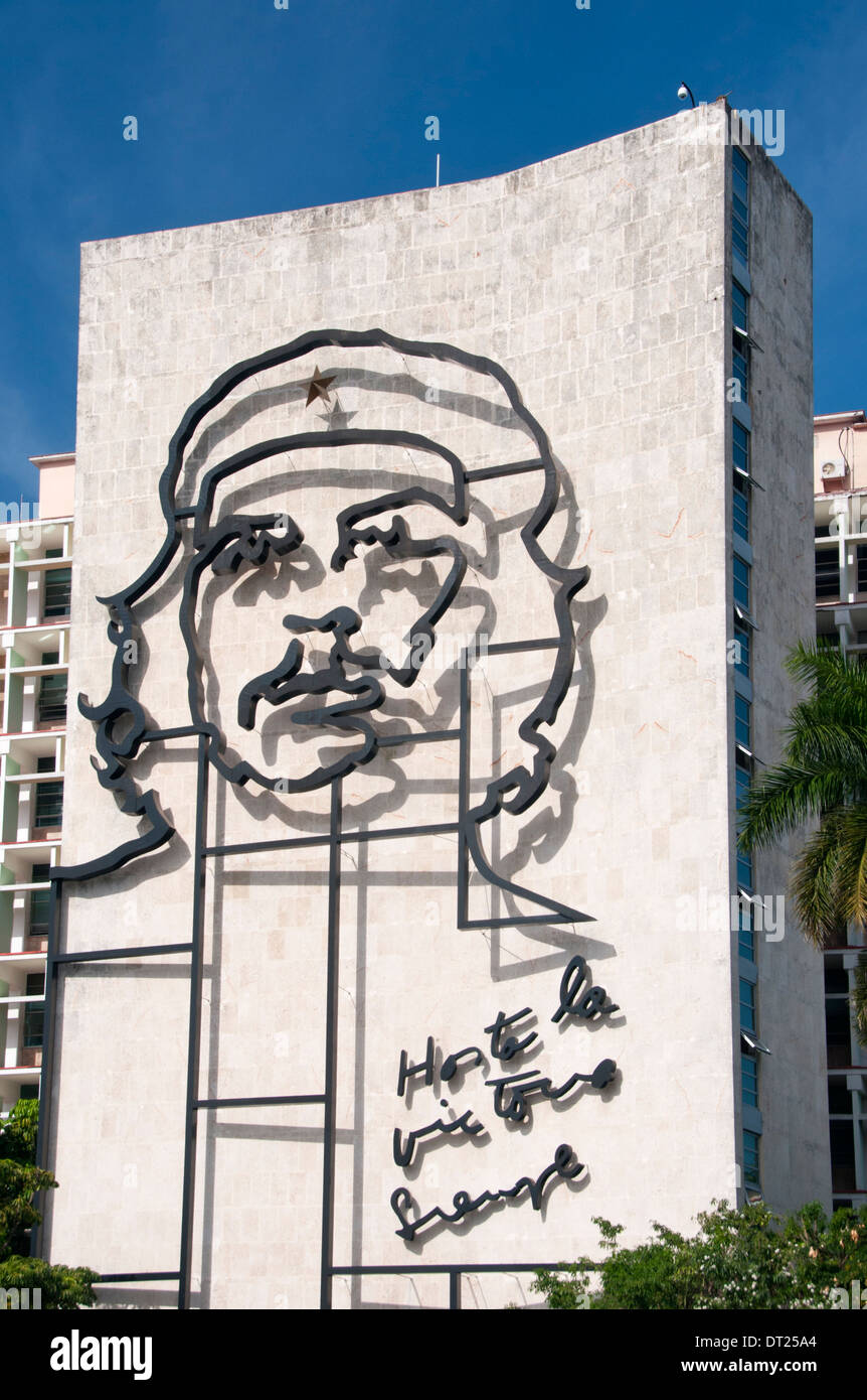 Che Guevara Artwork On Ministerio Del Interior Building