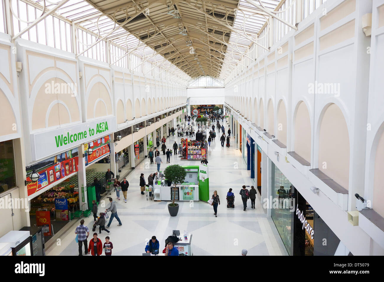 merry hill online dating A section of merry hill shopping centre in brierley hill was evacuated this morning shops around the paperchase store were evacuated around 1145am after employees found an unattended paper bag .