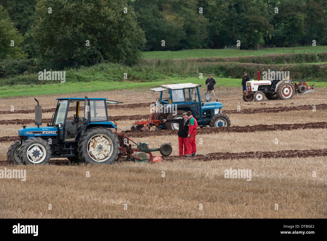 880 Ford Tractors : Ford and brown selectamatic tractors at