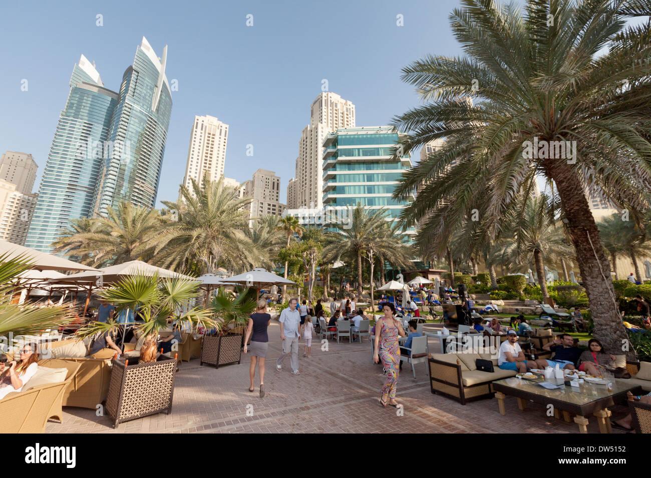 The hilton hotel a 5 star luxury hotel in jumeirah beach for Luxury hotels in dubai 7 star