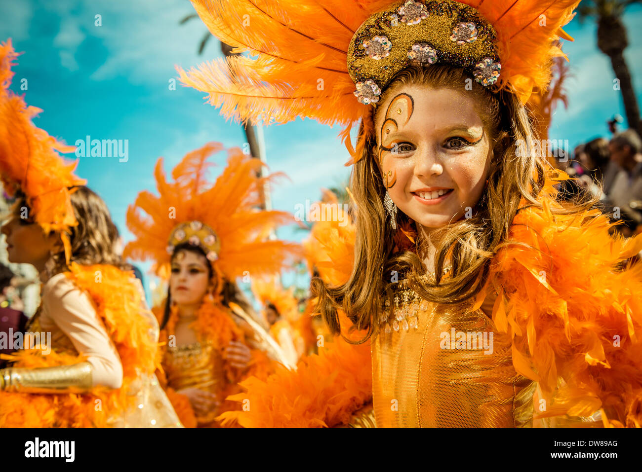 Sitges, Spain. March 2nd, 2014: Children revellers dance during the Sunday parade of the children carnival parade Stock Foto