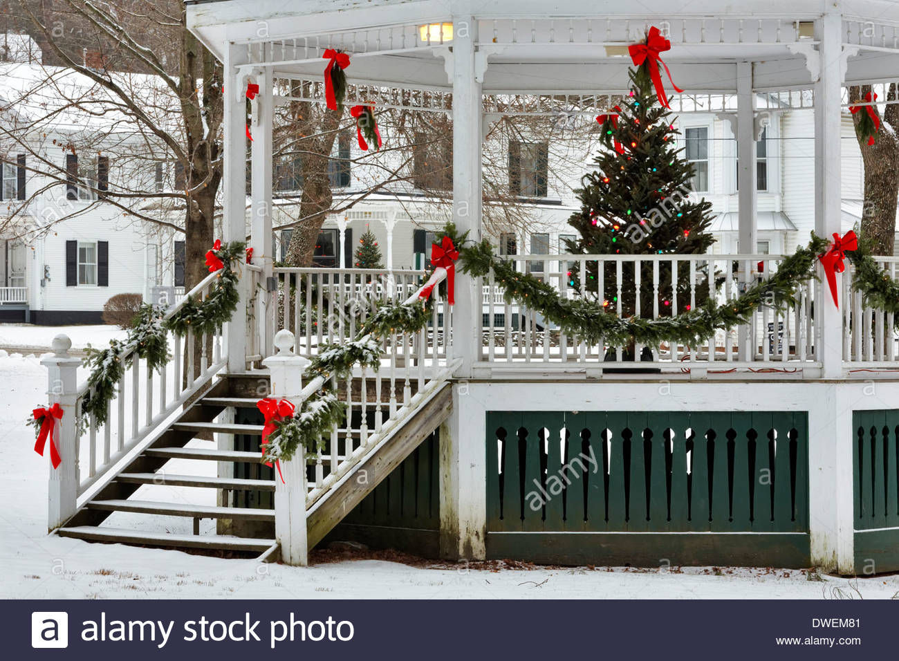 Christmas Decorations In Vermont : Christmas decorations on gazebo in town square of small