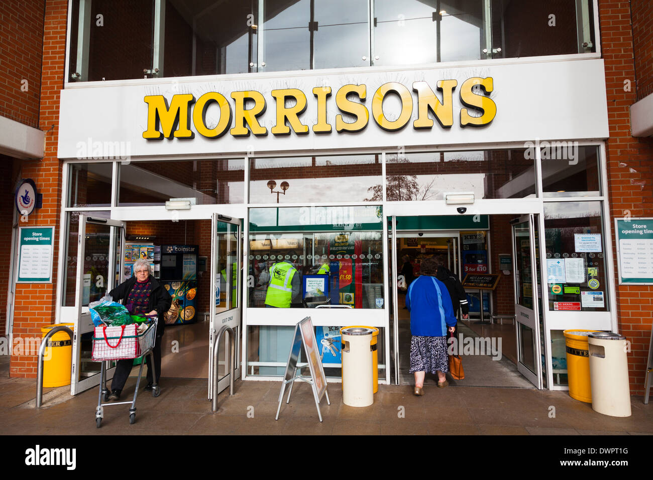 customers-entering-and-leaving-a-morriso
