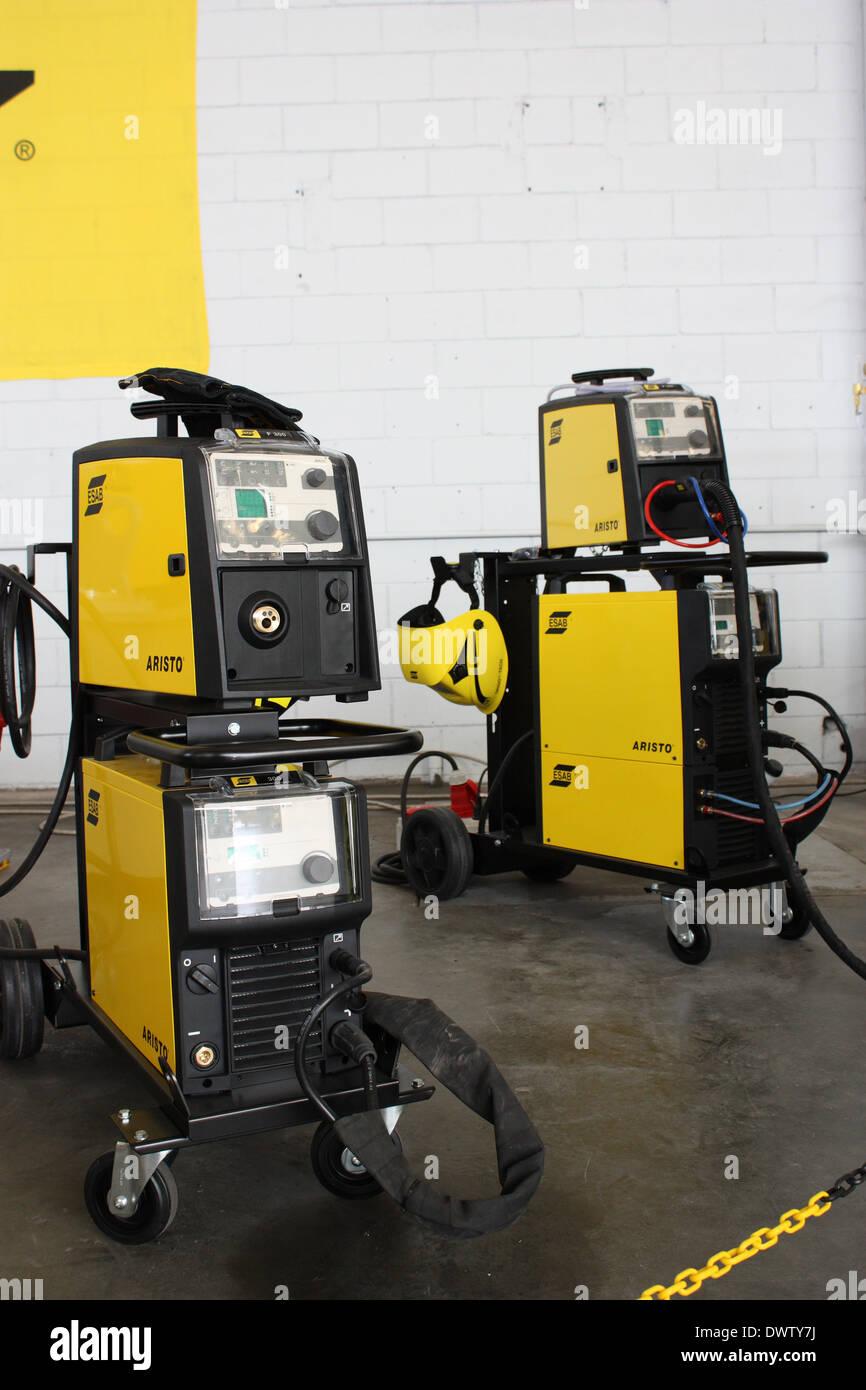 semi automatic welding machine