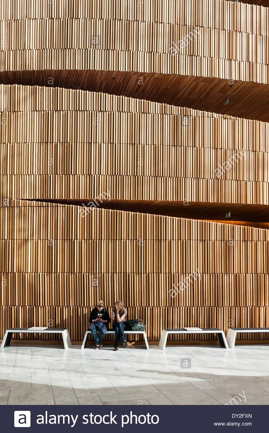 interior-public-atrium-of-oslo-opera-hou