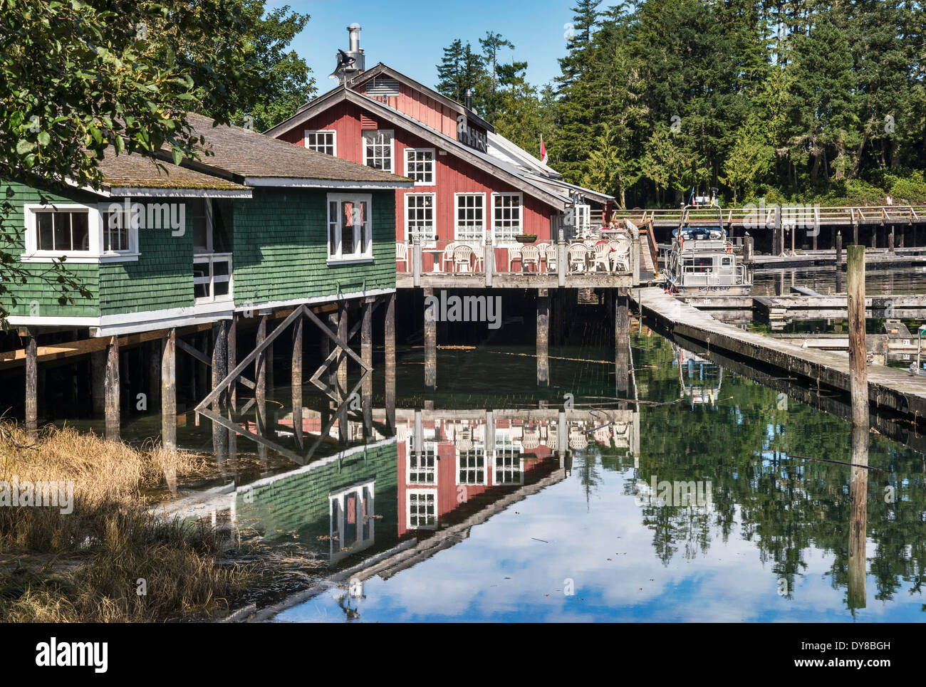 Houses on stilts boardwalk village at telegraph cove for Stilt homes for sale