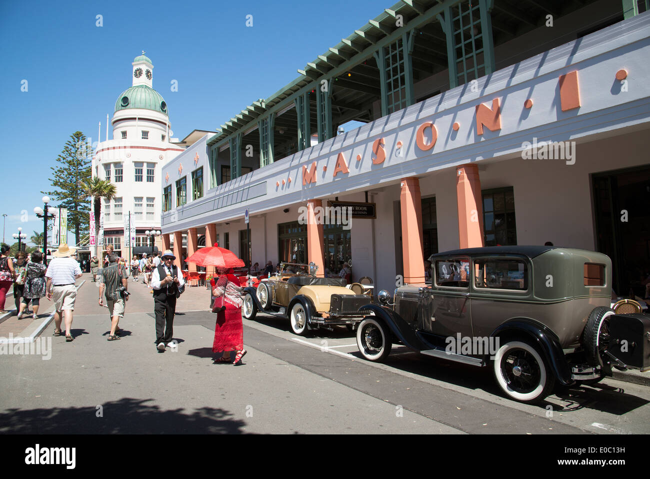 Classic vintage cars outside the masonic hotel in the art for Deco hotel napier